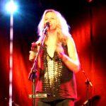 vonda-shepard-2009-06