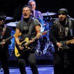 Bruce-Springsteen-20120618-05